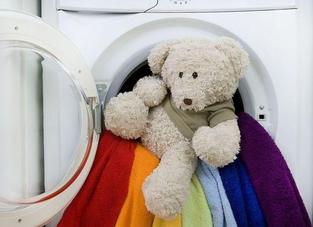 Как правильно стирать мягкие игрушки в домашних условиях: в стиральной машине, вручную, сухой чисткой