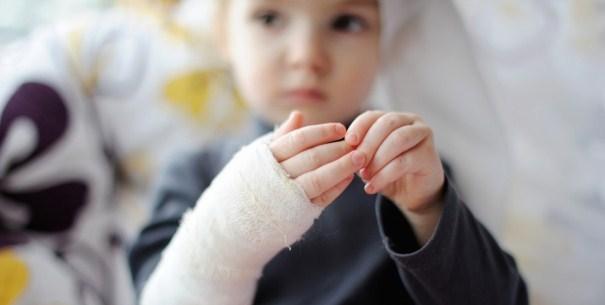 Что делать при ожоге у ребенка: первая помощь и лечение термических повреждений разной степени в домашних условиях