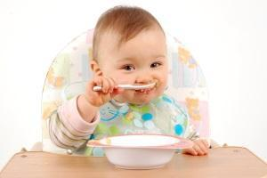 Особенности диеты при крапивнице у детей: что можно кушать и чем нельзя кормить малыша?