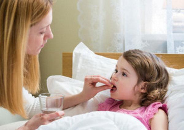 Что делать, если ребенка тошнит и рвет желчью без температуры и поноса?