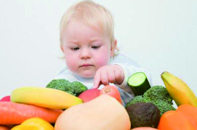 Чем лучше кормить ребенка в 10 месяцев: рацион питания и примерное меню с рецептами на неделю