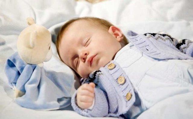 Сколько должен спать ребенок 4-5 месяцев: нормы и причины плохого дневного и ночного сна