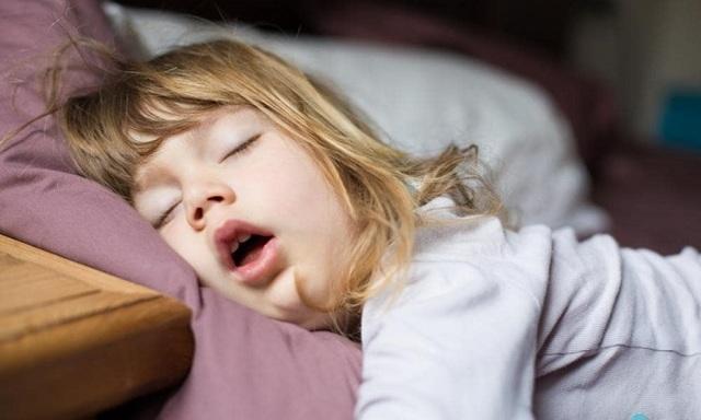 Что делать, если у ребенка заложен нос, а соплей нет: причины и способы облегчить дыхание