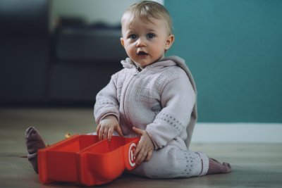 Развитие и режим питания ребенка в 1 год 3 месяца: подбираем меню, составляем список нужных игрушек и занятий
