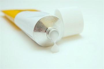 Чем растереть ребенка при кашле: обзор детских согревающих мазей с инструкциями по применению во время простуды