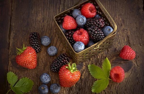 Симптомы и лечение аллергии у ребенка на клубнику, черешню, землянику и другие ягоды