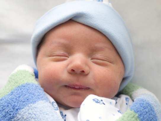 Симптомы и лечение пеленочного дерматита у новорожденных детей: кремы, мази и другие средства от опрелостей