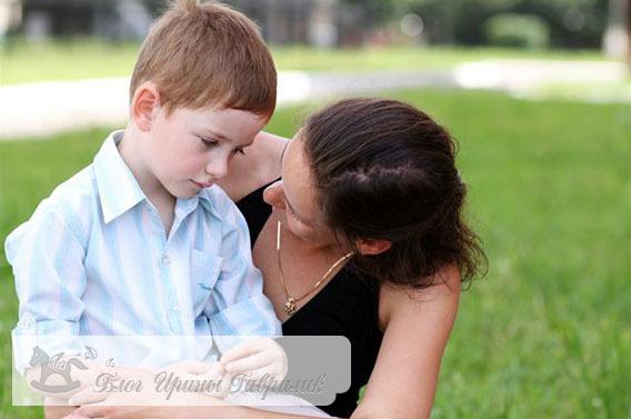 Что делать родителям во время детских истерик: как успокоить ребенка 2-4 лет и как реагировать на постоянные