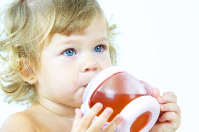 Со скольки месяцев можно дать ребенку грушу: рецепты пюре для первого прикорма и признаки аллергии на фрукт