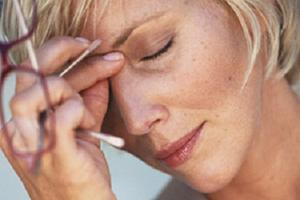 Бывают ли при климаксе месячные, до скольки лет у женщины идет менструация и может ли быть после менопаузы?