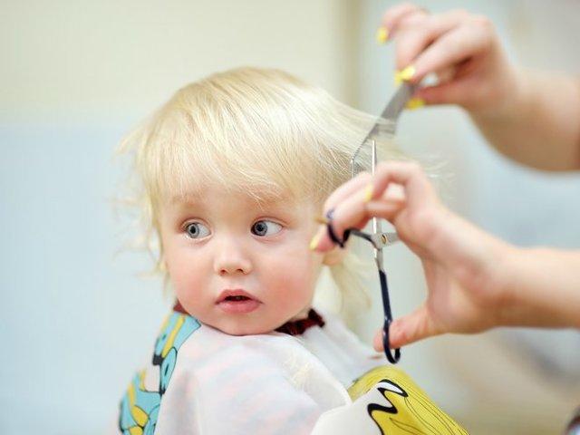 Когда можно стричь новорожденного в первый раз: особенности стрижки грудного ребенка в 1 год