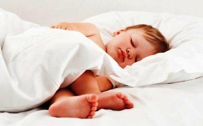 Режим сна и питания ребенка в 2 года: организуем распорядок дня малыша по часам