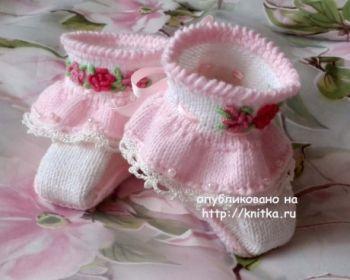 Как связать пинетки спицами для новорожденного от 0 до 2-3 месяцев: подробный мастер-класс, описание со схемами и фото