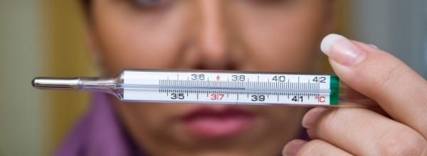 Температура во время менструального цикла: какая норма при месячных, может ли повышаться в первые дни?