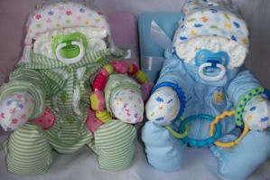 Что можно подарить молодой маме на рождение ребенка: выбираем оригинальный подарок для новорожденного мальчика и девочки