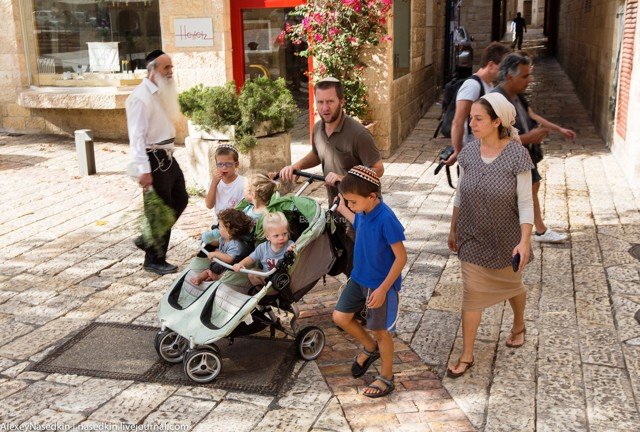 Почему еврейские дети становятся гениями: 7 принципов воспитания, секреты и правила израильских мам