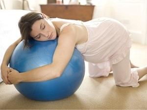 Понятие тренировочных схваток при беременности, ощущения женщины, сопутствующие симптомы и отличия от настоящих