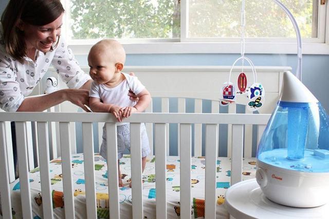 Почему у новорожденного шелушится и облазит кожа: средства и способы ухода за лицом и телом ребенка