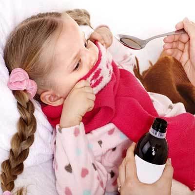 Ребенок уже долго кашляет, и ничего не помогает: чем лечить затяжной кашель?