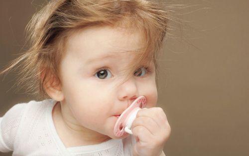 Ребенок не спит без грудного кормления: как отучить малыша и уложить его спать без груди?