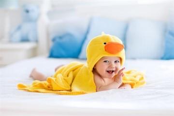 Все о купании новорожденного ребенка: 7 советов, как правильно купать малыша (до кормления или после и каждый ли день)?
