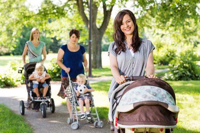 Режим дня для ребенка 7 месяцев на искусственном и грудном вскармливании: сон и распорядок малыша по часам