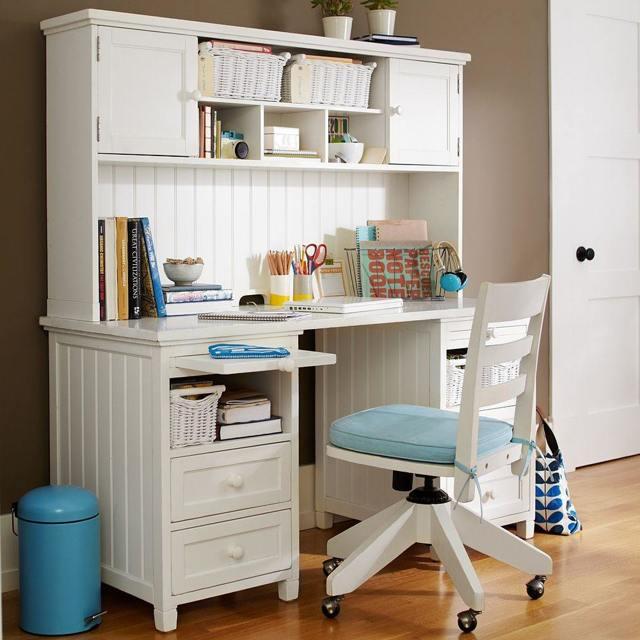 Домашние письменные столы для первоклассников: стандартные размеры и варианты моделей