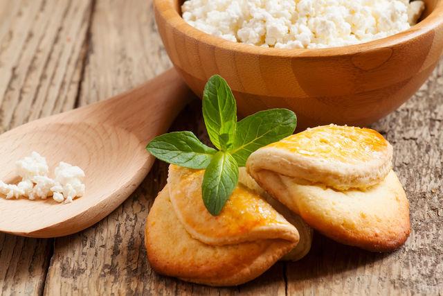 Что можно приготовить ребенку на полдник: варианты и рецепты полезных блюд из творога и других продуктов