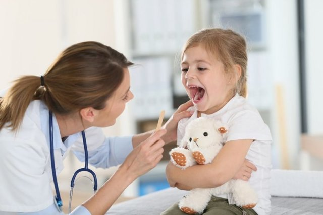 Эффективные рецепты лукового сиропа от кашля у детей: варианты с сахаром, медом и молоком