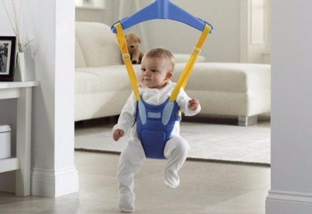 С какого возраста можно сажать ребенка в детские прыгунки: в 4-6 месяцев или позже?