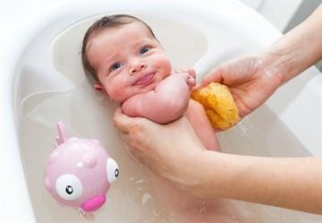 Почему ребенка нельзя купать после прививки: когда можно мыться после акдс, бцж и других вакцин?