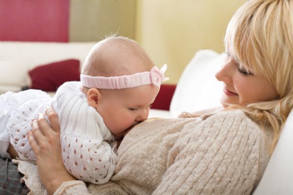 Можно ли кормящей маме красную и черную икру: введение продукта в рацион при грудном вскармливании