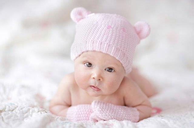 Что должен уметь здоровый ребенок в 3 месяца: особенности развития, навыки мальчиков и девочек