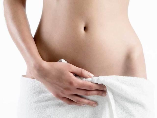 Как отличить менструацию от маточного кровотечения: отличия обильных месячных от патологических кровянистых выделений