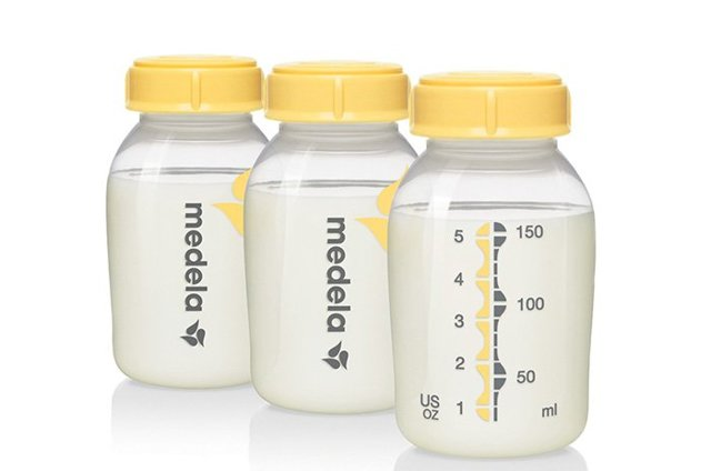 Все о сцеживании грудного молока: нужно ли сцеживать после каждого кормления, можно ли смешивать порции?