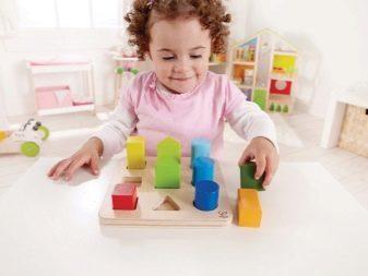 Что подарить малышу на 1 годик: выбираем лучшие игрушки и оригинальные полезные подарки