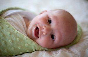 Мази и кремы при атопическом и себорейном дерматите для новорожденных детей до года