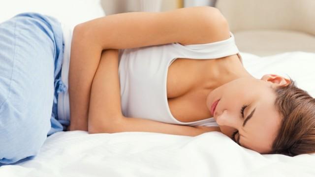 Почему после недавних родов нет месячных, зависит ли период задержки от типа вскармливания, когда стоит бить тревогу?