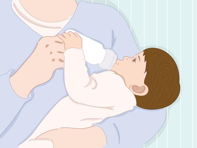 Как правильно кормить новорожденного ребенка из бутылочки: алгоритм, техника и правила