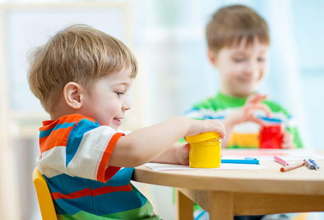 Календарь развития ребенка по месяцам после 1 года и до 2 лет: психология малыша и его воспитание