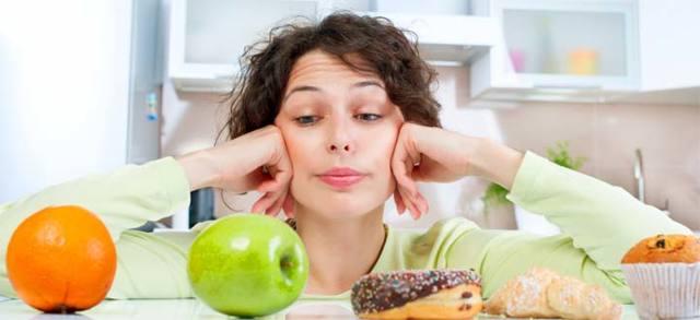 Почему на ранних и поздних сроках беременности может болеть желудок, каковы сопутствующие симптомы, что делать?