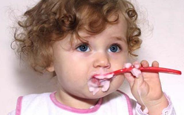 Режим питания и сна ребенка в 1 год: организуем примерный распорядок дня годовалого малыша по часам