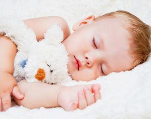 Сколько раз в день должен спать ребенок в 1-3 года, до какого возраста укладывать днем?
