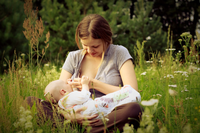 Преимущества и недостатки грудного вскармливания для мамы и ребенка: взвешиваем все плюсы и минусы