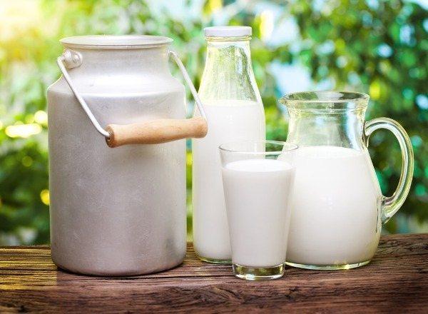 Коровье молоко в рационе кормящей мамы: можно или нельзя при грудном вскармливании?