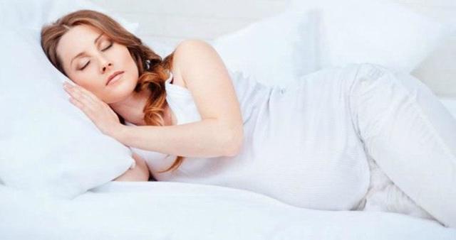 Болит лобковая кость во время беременности: почему это происходит, как устранить боль?