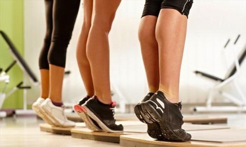 Можно ли во время месячных заниматься спортом, в каких случаях занятия противопоказаны?
