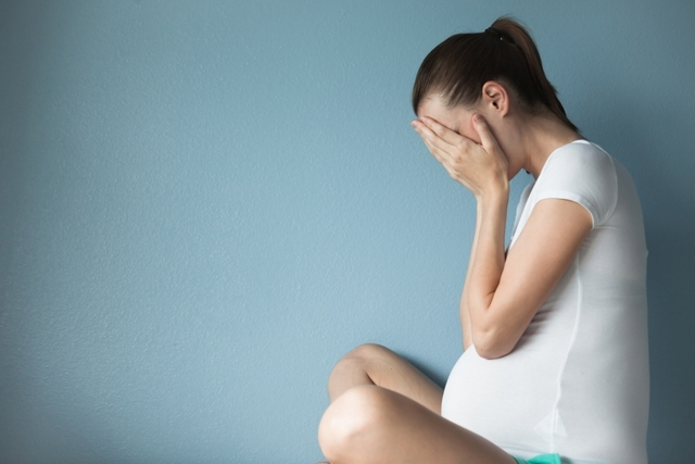 Почему у беременных выявляется стафилококк в моче, мазке, носу и горле и чем это грозит?