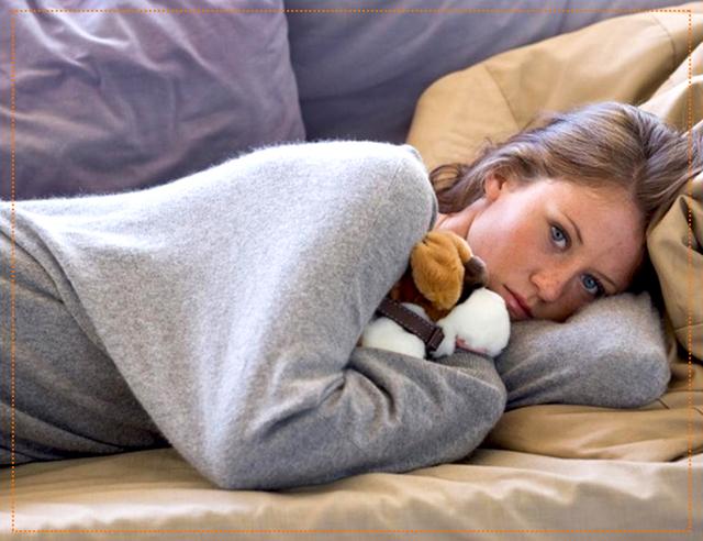 Депрессия во время первого, второго и третьего триместров беременности: какие причины и симптомы, что делать?