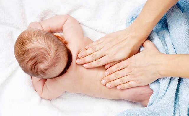 Массаж при кашле и бронхите у детей для отхождения мокроты: дренажный и вибрационный